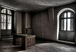 Abandoned Silent by stengchen
