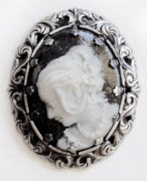Cameo by Victoria-Poloniae