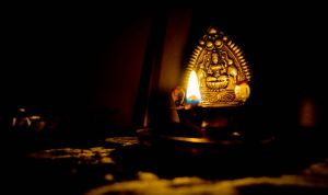A light for the unliving.. by preethi524