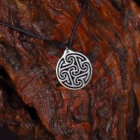 Tullylease pendant by PeSymbolic