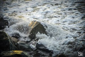 Crashing waves by ShannonCPhotography