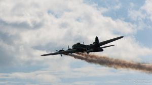 B-17 Simulating Engine Failure by TPJerematic
