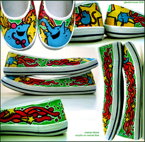 handpainted shoes by gleeful-beast