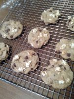 Popcorn chocolate chip cookies by chamanthehedgehog