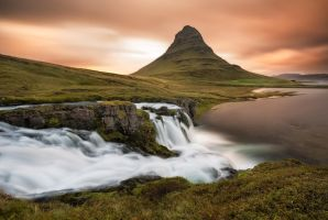 Kirkjufell in 90 seconds by TomazKlemensak