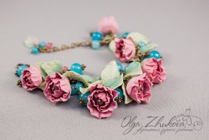 Bracelet with vintage flowers from polymer clay by polyflowers
