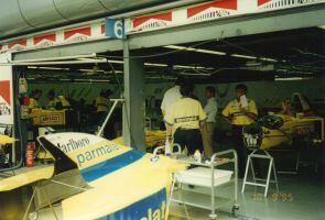 Parmalat Forti Ford Garage (Italy 1995) by F1-history