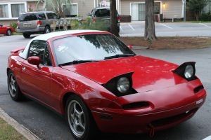 Red and White Miata by queenbeltloop