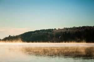 Cold fog over the lake by Sekundkvadrat