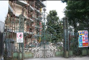 Lucca Art Nouveau gate by enframed