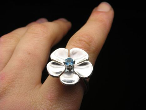Big flower ring with topaz by Vansee-Jewelry
