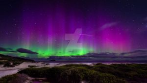 Aurora Australis and ISS by jenne-j