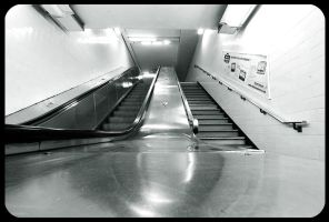 Escalator, Paris by fL0urish