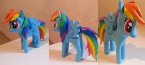 MLP FIM Rainbow Dash standing pose clay by Mamuchi