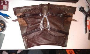 Vambrace front (maybe usefull as pattern by Trujin
