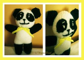 Knitted Panda by WicansBlood