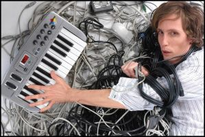 Wired Keyboard Player by JonnyBalls