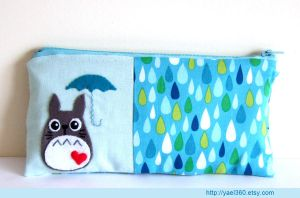 rain on my umbrella and totoro by yael360