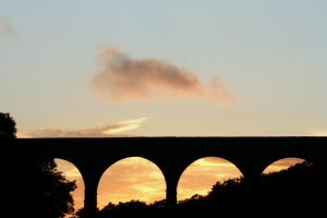 Sunset through Porthkerry Park Viaduct by Iansmadhouse