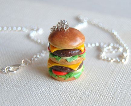 Hamburger necklace by Madizzo