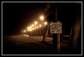 HB Pier at Night 5 by TomasGarcia