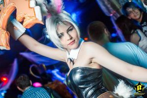 Battle Bunny Riven - Leave doubt behind! by magmasaya