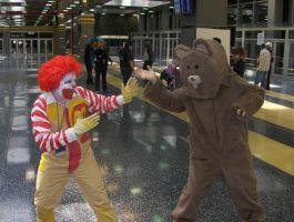 Ronald vs Pedo Bear by ApocalypticReignbow