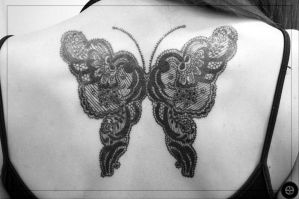 butterfly by piotrszot