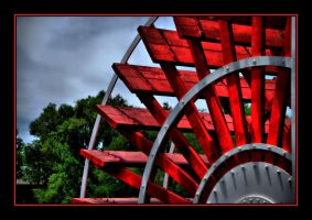 HDR Riverboat Wheel by o0oLUXo0o