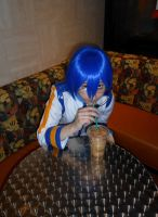 Vocaloid spotted in starbucks by Scythr