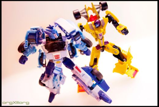 Blurr v.s. Drag Strip | Transformers by sniperdusk