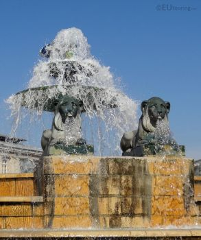 Lion sculptures on fountain by EUtouring