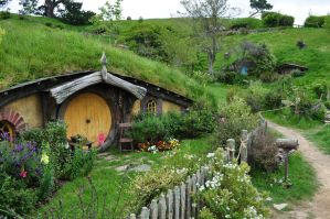 hobbiton by iRISSIEL