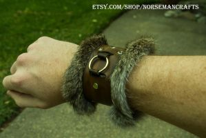 (+3 Frost Resistance) Fur Lined Cuff by yamori-san