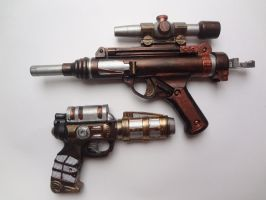 Steampunk weapons by Miyacheshire