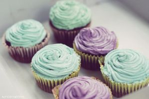 Dreamy cupcakes by lucidreamer20