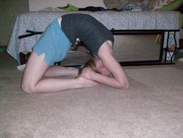 Elbows and knees, Backbend by littlemissGing