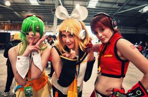 Manifest 2012 Cute Vocaloid Cosplay by doctor-a