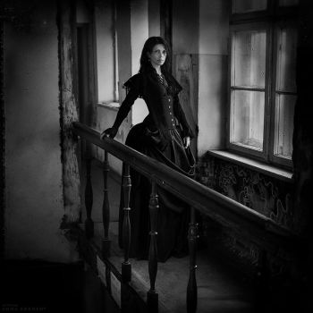 Woman in black by Anhen