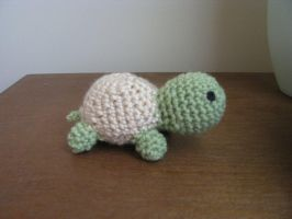 Tiny Happy Turtle by pinktoque