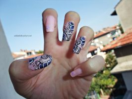 pink nails with purple flowers by SoBiEsKii