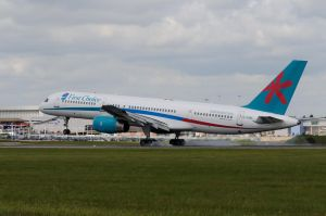 Boeing 757-28A by pma27