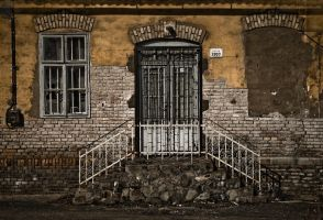 closed to the end by Jocologick