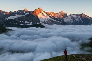 Above the clouds by Arafinwearcamenel