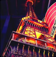Eiffel tower by andrew-pvs