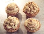 Peanutbutter Cupcakes by MrTaxiSock