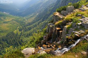 Pancavsky waterfall by yonashek