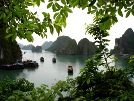 Ha Long Bay by HoukouSakura