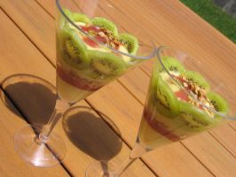 Strawberry Kiwi Parfait by sake-bento
