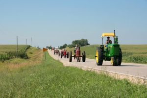 Iowa Tractor Ride 3 by cthacker